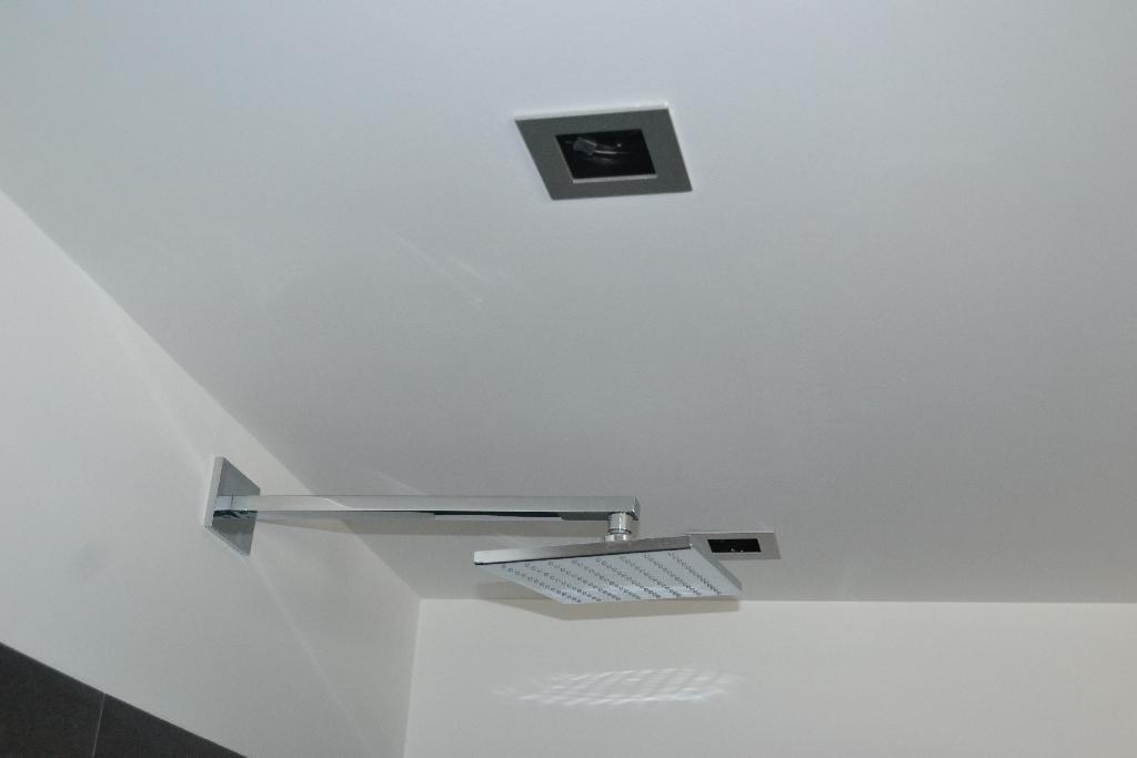 Badkamer zwart plafond het beste van huis ontwerp inspiratie - Plafond geverfd zwart ...